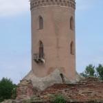 Drakula'nın yaptırdığı Chindiei Kulesi. Gözcülük haricinde kazıklanmış insan ormanını seyrettiği yer. 15. yüzyıl.