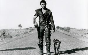 Mad Max filminden bir tanıtım posteri. Tanıdık geldi mi?