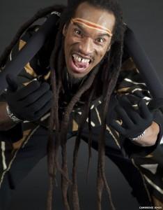 Benjamin Zephaniah, Anansi the Spider kostümünde.