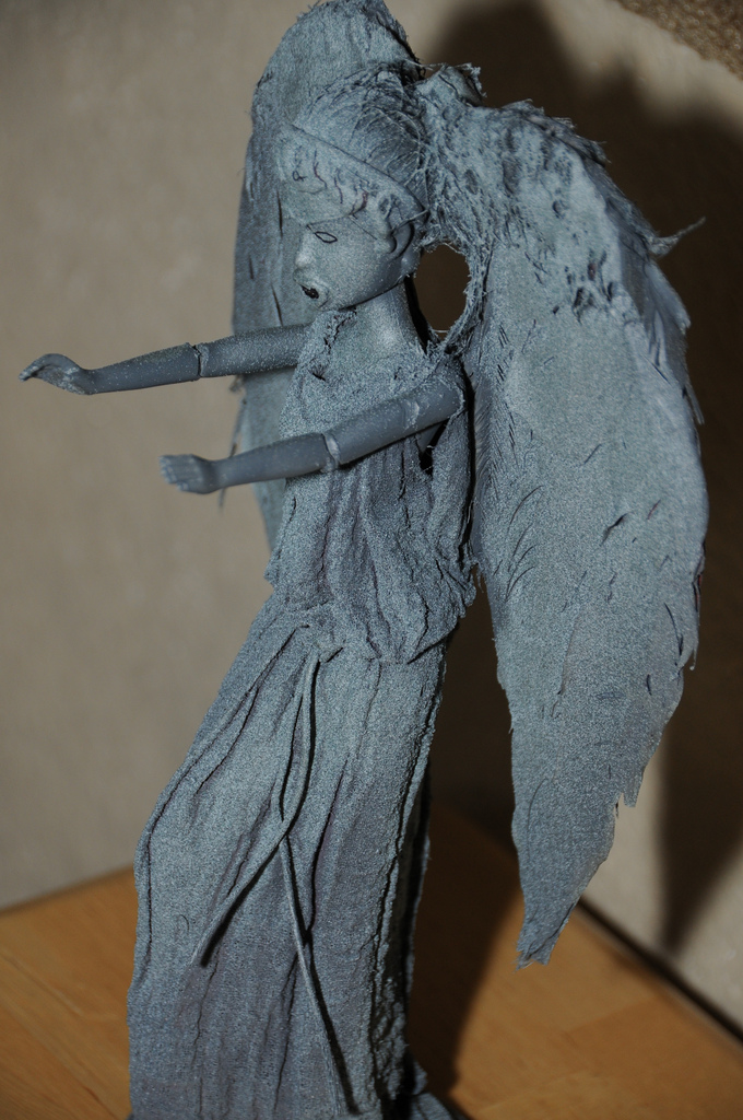 weeping-angel-barbies5large