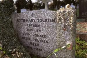 tolkien-mezar