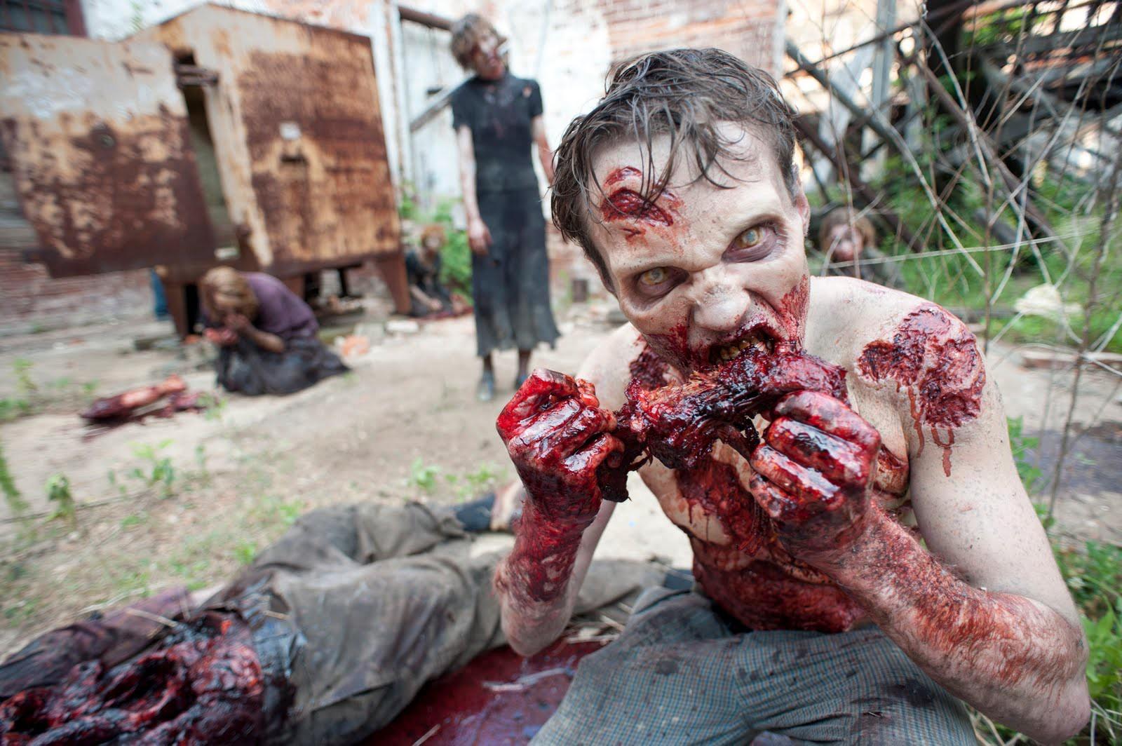 zombies eating meat - Bana istediğim resmi yolla