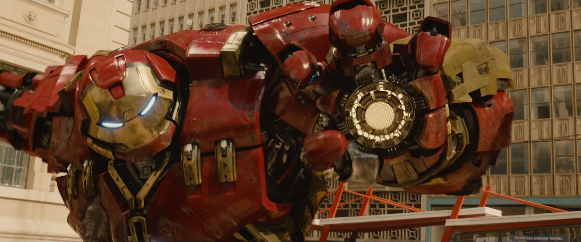 age-of-ultron-hulkbuster