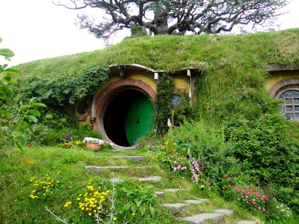 hobbiton-evi