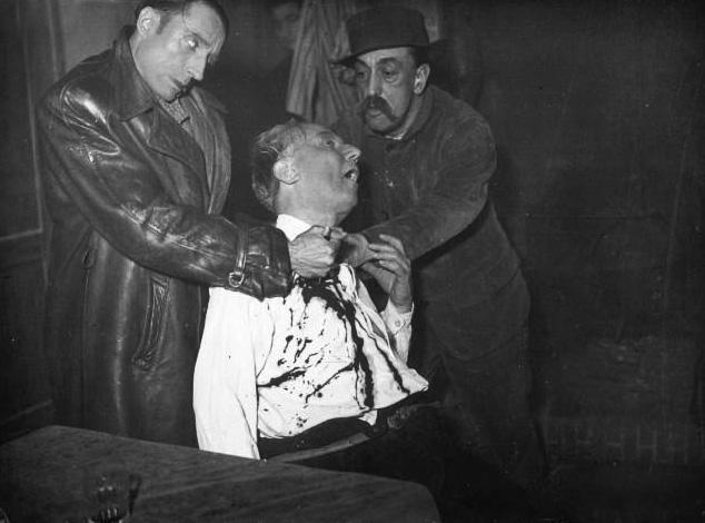 Grand-Guignol-Scene-1937