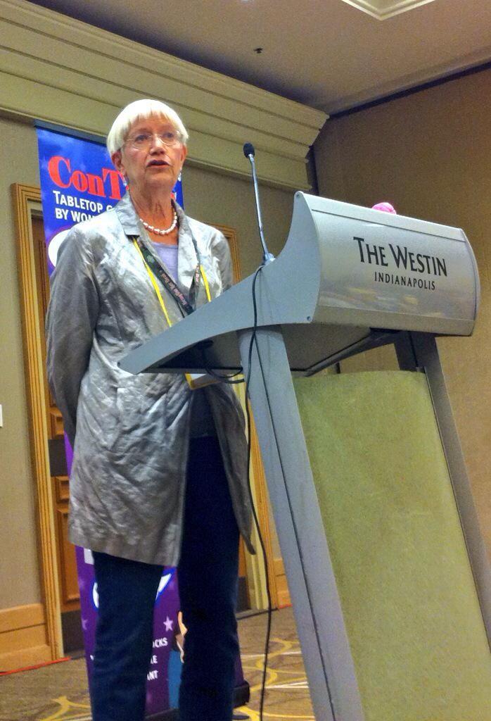 Margaret Weis, etkinlikte yaptığı konuşmada TSR Inc.'teki kadınları anlatırken