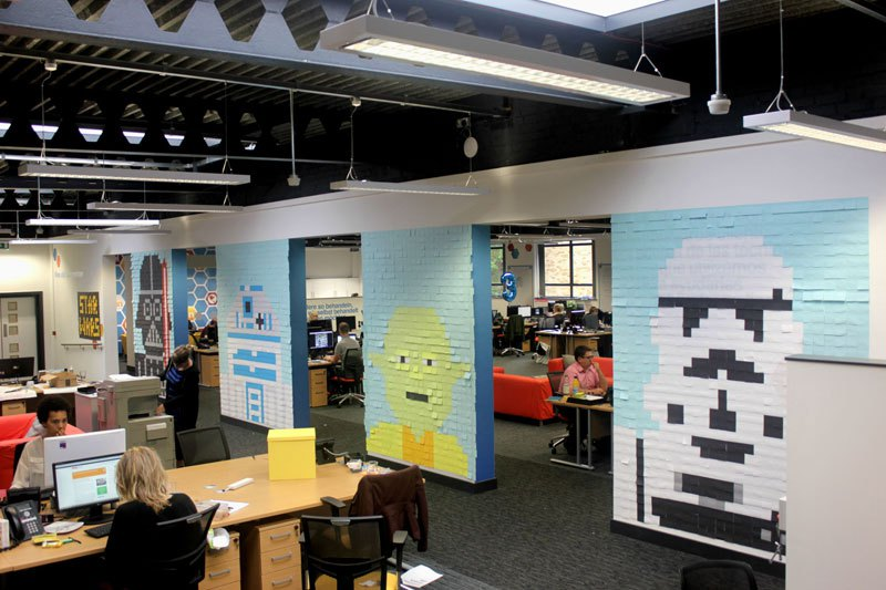 co-workers-use-post-its-to-turn-boring-office-walls-into-awesome-star-wars-characters-2