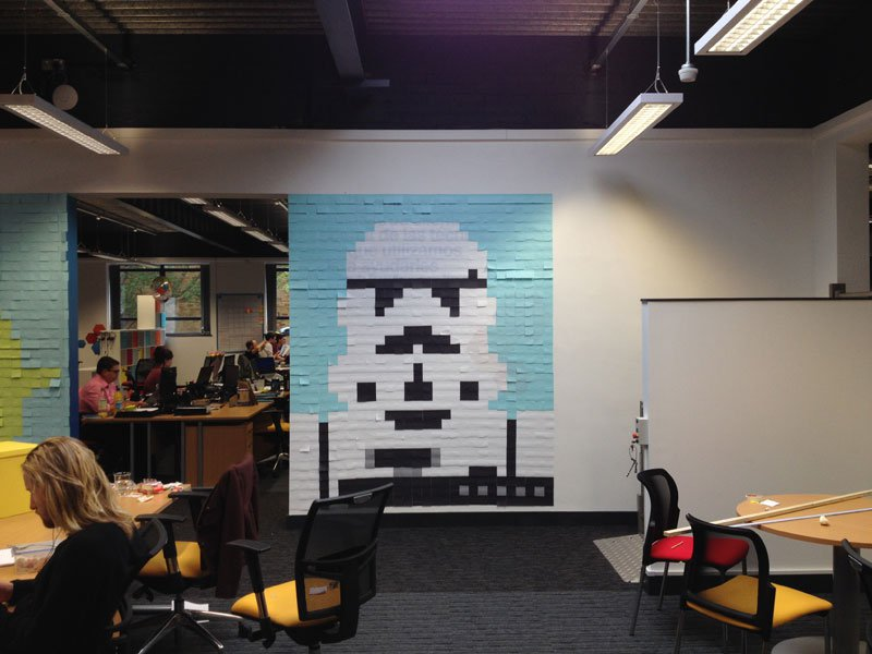 co-workers-use-post-its-to-turn-boring-office-walls-into-awesome-star-wars-characters-20