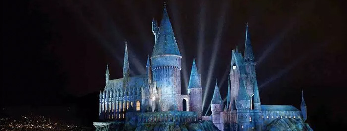 wizarding-world-of-harry-potter-banner
