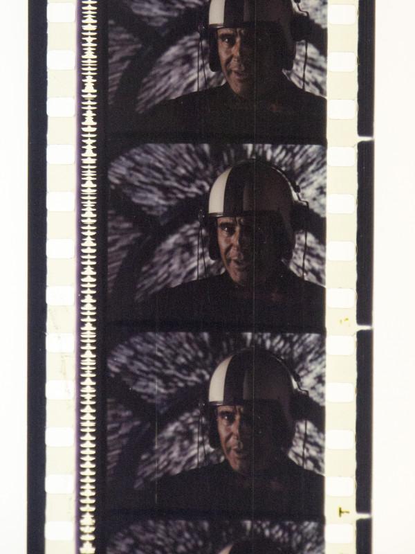 dunyayı-kurtaran-adam-35mm-gorsel-001