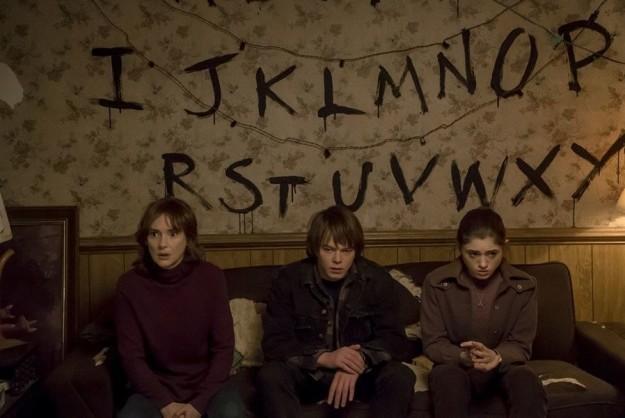 stranger-things-winona-ryder2