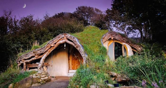 hobbit-house-5000-dolar-hobit-evinde-yasayan-aile-2