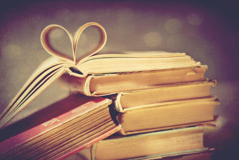 kitaplarina-asiri-duskun-olanlarin-birbirinden-ilginc-15-takintisi.jpg