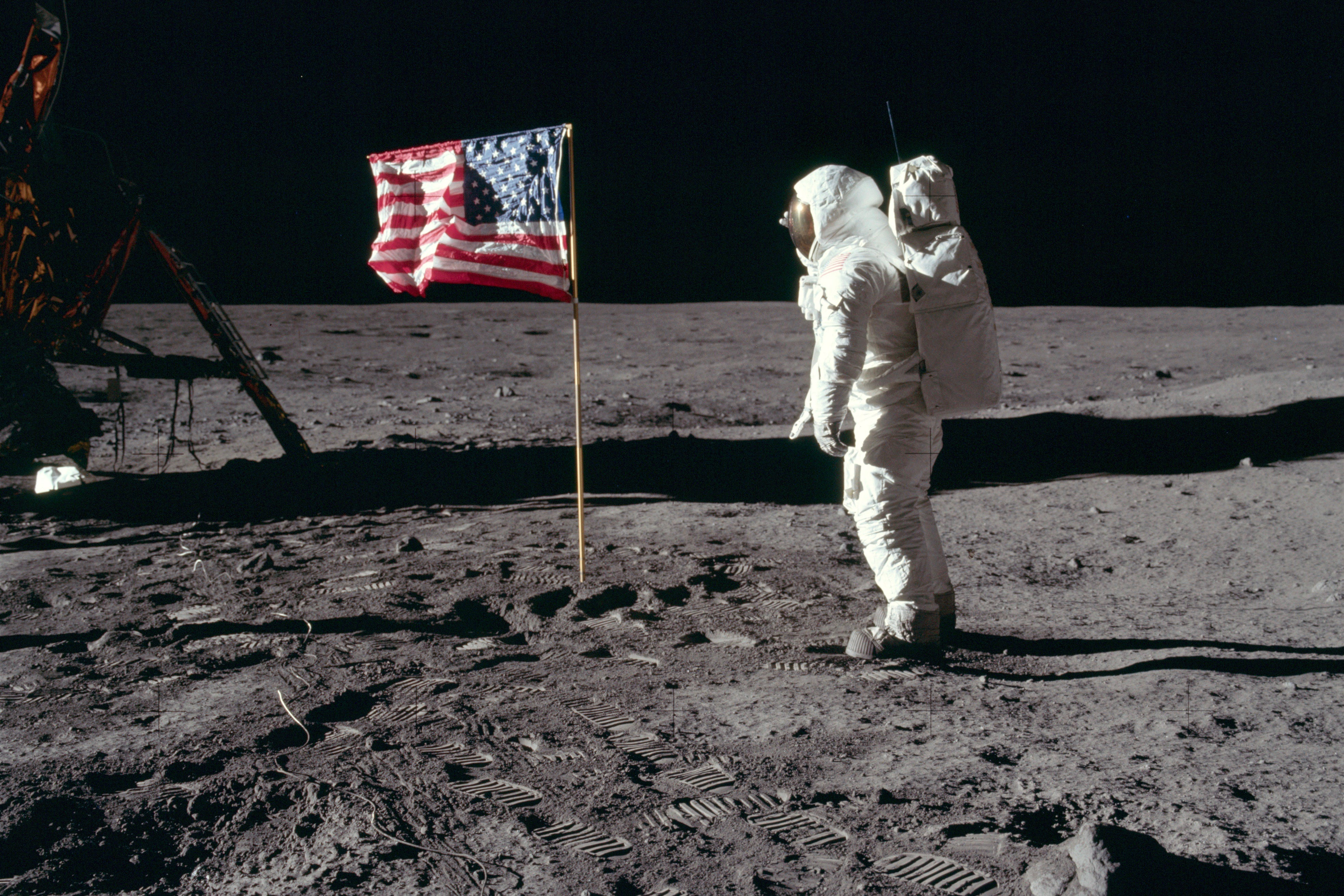 30 kickass and interesting facts about moon landing - 1140×641